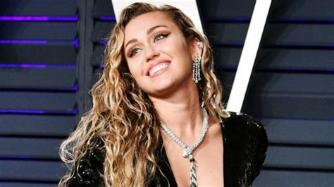 miley cyrus sets fire  instagram  nude picture