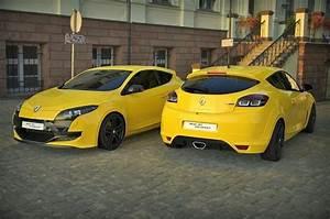 Renault Megane 3 Rs : renault megane 3 rs free 3d model obj mtl tga ~ Medecine-chirurgie-esthetiques.com Avis de Voitures