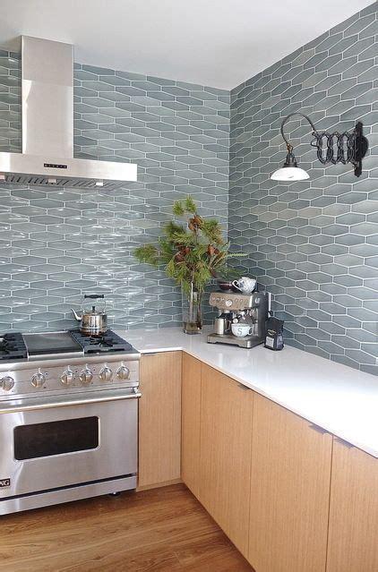 ceramic tiles kitchen backsplashes  catch  eye digsdigs