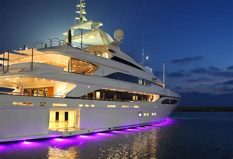 Luxury Boats by Motor Yacht Seanna A Benetti Superyacht