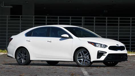 kia forte  review  case  cars