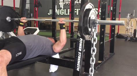 Why Do People Use Chains For Bench Press?