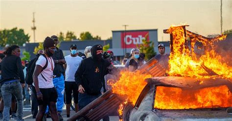 minneapolis mayor  rioters practice social distancing