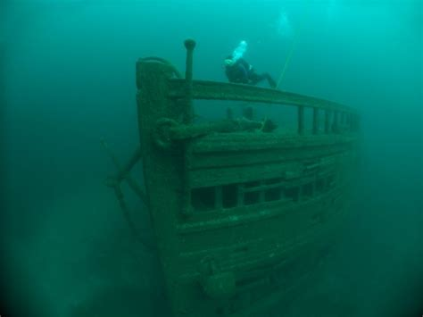 Lake Erie Boat Accident by Lake Erie Shipwrecks Photos My Dad S Old Boat Sank In