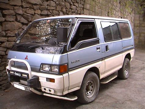 Mitsubishi Delica Backgrounds by 1990 Mitsubishi Delica Wallpapers