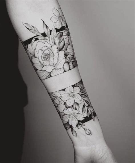 tatuajes en el antebrazo  hombres  mujeres frases