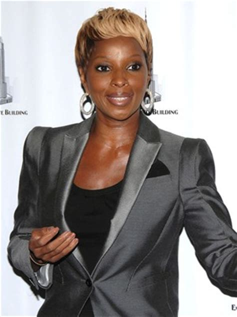 mary  blige body measurements height weight bra size vital stats bio