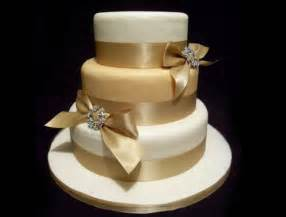gold wedding cake the wedding collections pretty gold wedding cakes