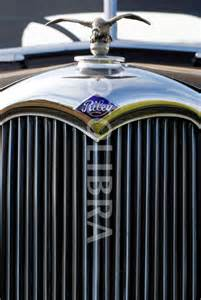 Classic Car Grill Identification
