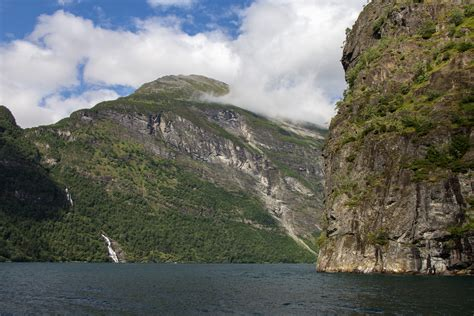 Sightseeing Cruise Geirangerfjord Norway Cooking In Tongues