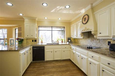 glass backsplashes for kitchens pictures brivity 6804 e 103rd st so tulsa ok 74133 tour 6804