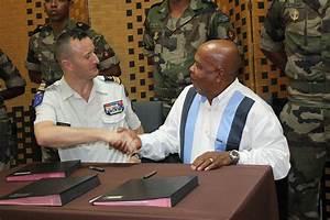 Artisanat De Guyane : convention de partenariat entre le rsma et le centre de ~ Premium-room.com Idées de Décoration