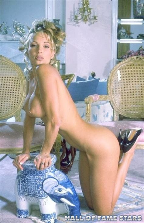 Deidre Holland doing a strips and spreading - Pichunter
