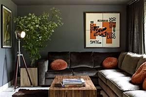 Remarkable vintage green velvet chair decorating ideas for Green velvet sofa for your modern living room
