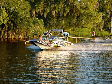 Wakeboard Boat Insurance by 2010 Mastercraft X Buyers Guide Boattest Ca
