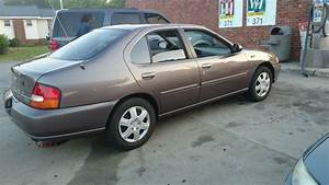 1998 Nissan Altima - Overview