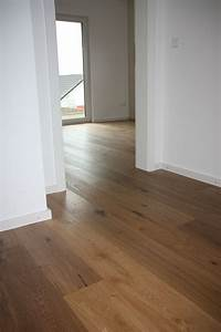 Bodenbelag Für Wohnzimmer : wildeiche parkett eiche braun rustikal ste ~ Michelbontemps.com Haus und Dekorationen