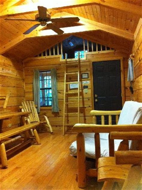 Interior of cabin.   Picture of Mark Twain State Park