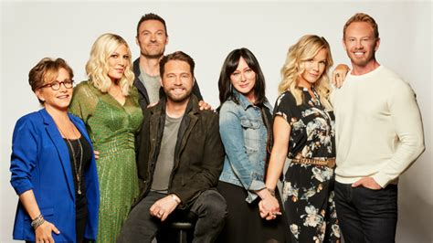 Classic 'Beverly Hills, 90210' Theme Song Gets a Modern-Day Twist in Cheeky Reunion ...