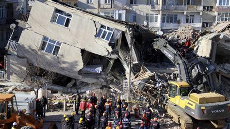 turkey earthquake death toll rises
