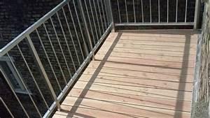 Holz Für Balkonboden : balkon bodenbelag holz verlegen ~ Markanthonyermac.com Haus und Dekorationen