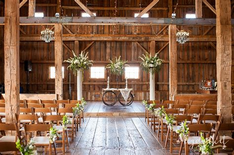 Wedding Barns In Michigan by The Valley Wedding Farms Wedding Photographer