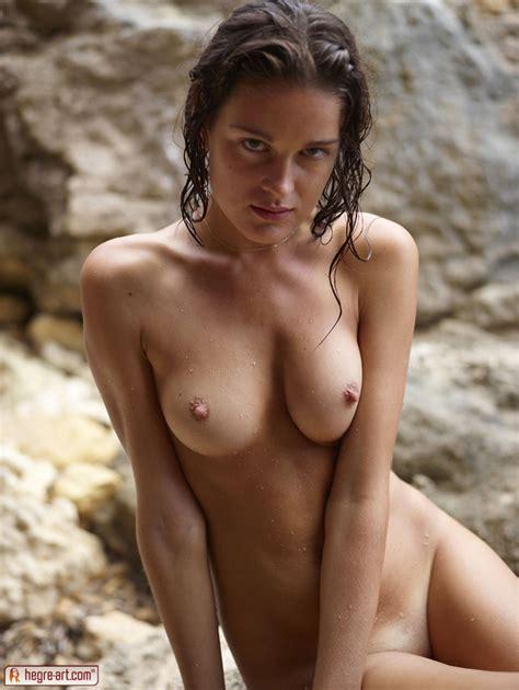 Perky Wet Teen Tits Naked Neighbour