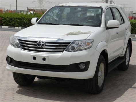 Toyota Fortuner Photo by Used 2012 Toyota Fortuner Photos 2700cc Gasoline