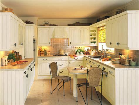 Devon Kitchens-kitchenworld Exeter-cottage Cream Kitchen