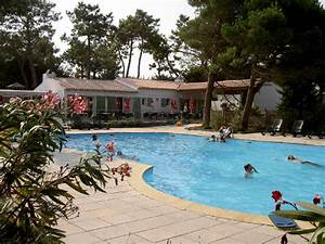 camping le village du suroit ile de re gt mobil homes With village vacances avec piscine couverte 8 camping charente maritime 241 campings en charente