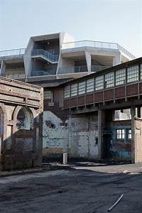 Garage Jullien : business hive in tourcoing office and parking garage building by tank architectes detail ~ Gottalentnigeria.com Avis de Voitures