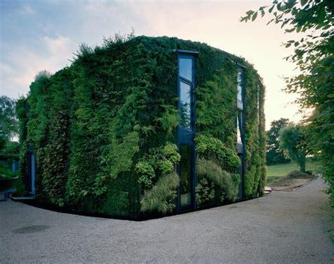 Vertical Gardening : 15 Incredible Vertical Garden Designs
