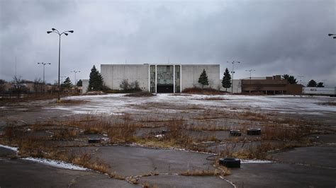 Trip to the Mall: [Dead Malls] in Illinois Active and Closed