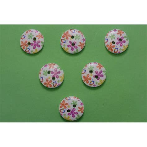 emporte rond cuisine lot 6 boutons bois rond motif fleur 15mm 52 boutons