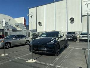 Tesla Model Y Black With Induction Wheels : 2020 Tesla Model Y Review Ratings Specs Prices And ...