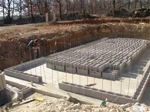 construire sa piscine en blocs a bancher piscine With marvelous construction piscine hors sol en beton 15 bloc piscine