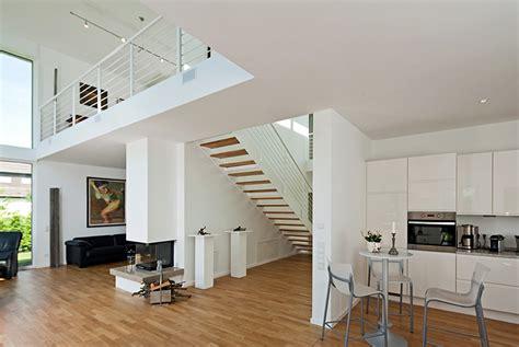 Haus Mit Offener Galerie by Die Offene Galerie Und Einladend Bauunternehmen