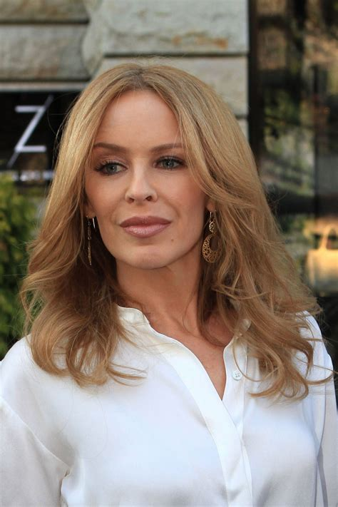 KYLIE MINOGUE Arrives at The Zoo Hotel in Berlin – HawtCelebs