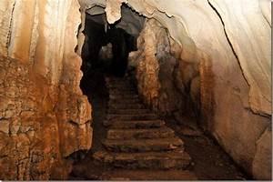 25 000 Year Old Cave Paintings At Pileta Caves  Banorojan