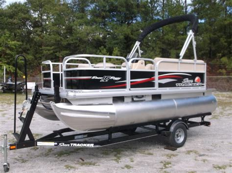 Bass Tracker Boats Website by Sun Tracker Bass Buggy 16 Dlx Pontoon Boats New In