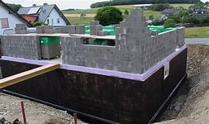 Kellerwand Außen Abdichten : kellerwand grundiert ein friesenhaus entsteht ~ Lizthompson.info Haus und Dekorationen