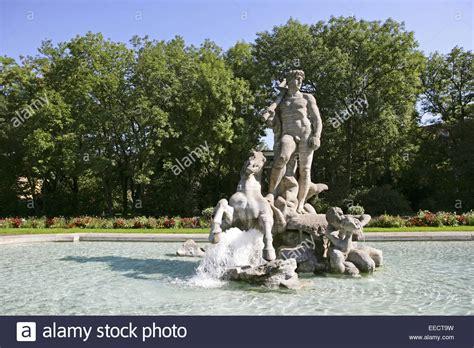 Alter Botanischer Garten München Brunnen by Deutschland Garten Brunnen Springbrunnen Stock Photos