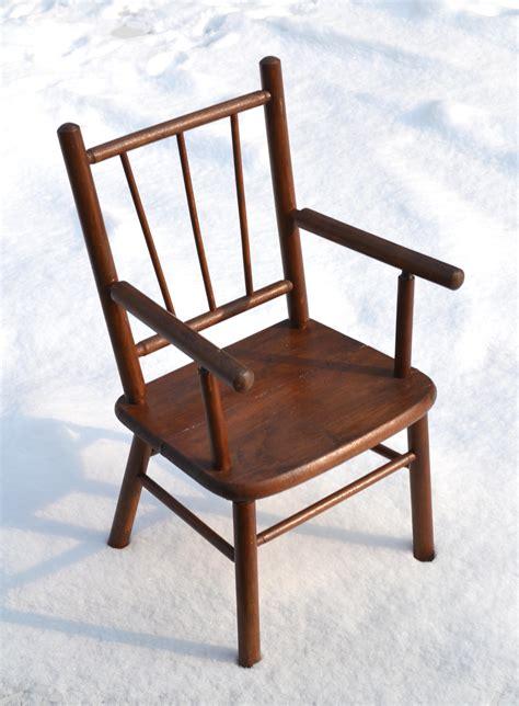 ancien bureau ecolier mobilier vintage pour enfants chaises tables coffres à jouets mobilier scolaire