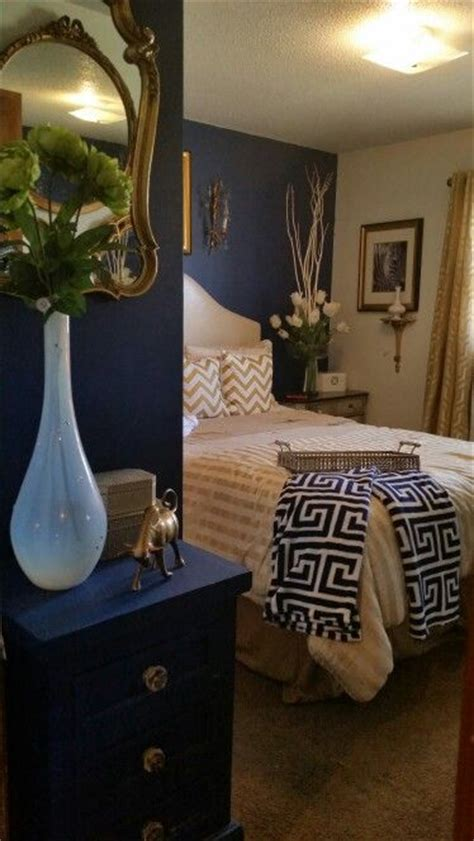 Bedroom Decor Blue And Gold by 1000 Ideas About Navy Gold Bedroom On Navy