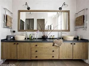 Style De Salle De Bain : une salle de bains zen elle d coration ~ Teatrodelosmanantiales.com Idées de Décoration