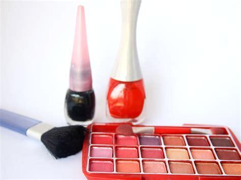 bureau d orientation image libre mode femme maquillage à lèvres