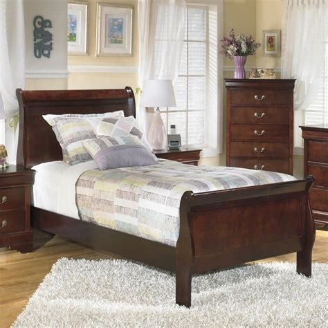 Alisdair Sleigh Bed by Signature Design By Furniture Alisdair Sleigh Bed