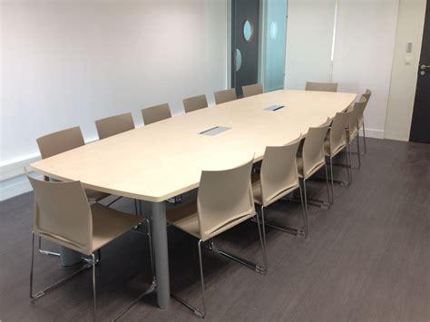 chaise de réunion salle de réunion équipée d 39 une table quot frégate quot clen et