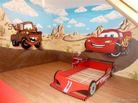 chambre cars complete décoration graffiti sur le thème cars