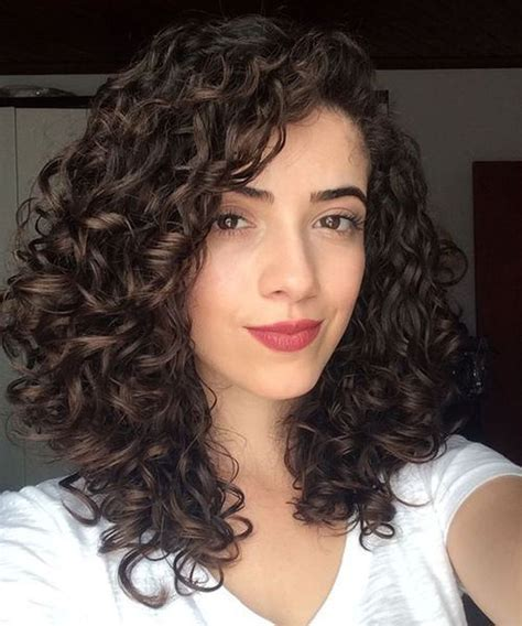 40 Trendy Curly Hairstyles for Women Medium curly hair
